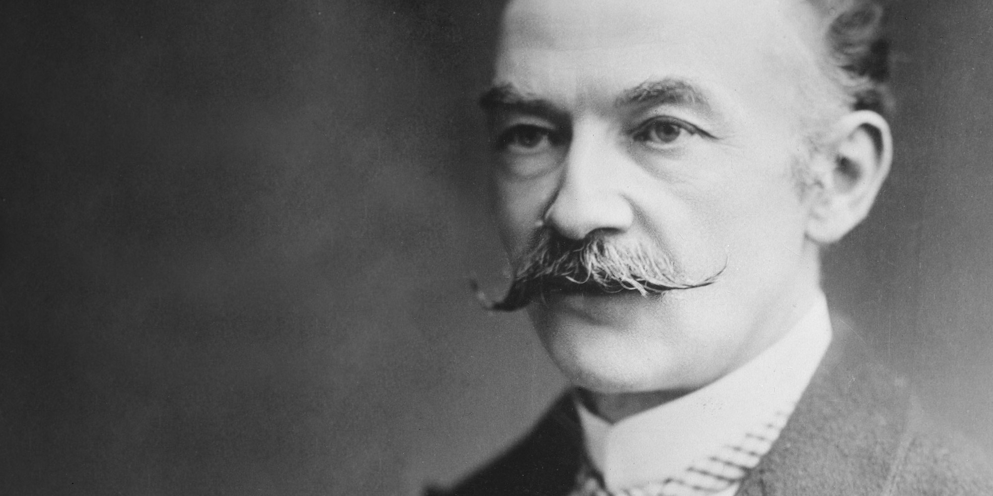 /images/upload/blog/1502/1502_thomas-hardy-1.jpg