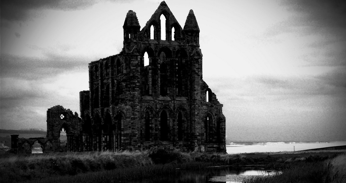 1529_whitby-abbey-2008.jpg