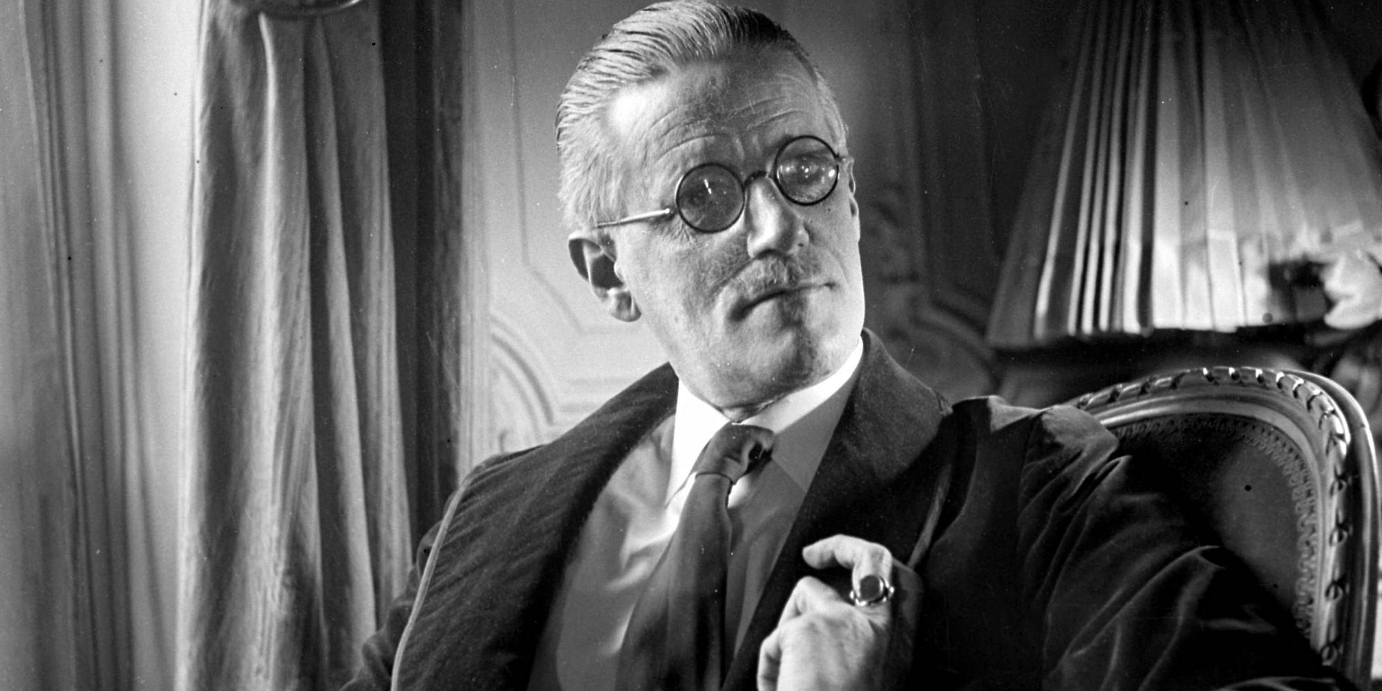 /images/upload/blog/1639/1639_James-Joyce-1934-009.jpg