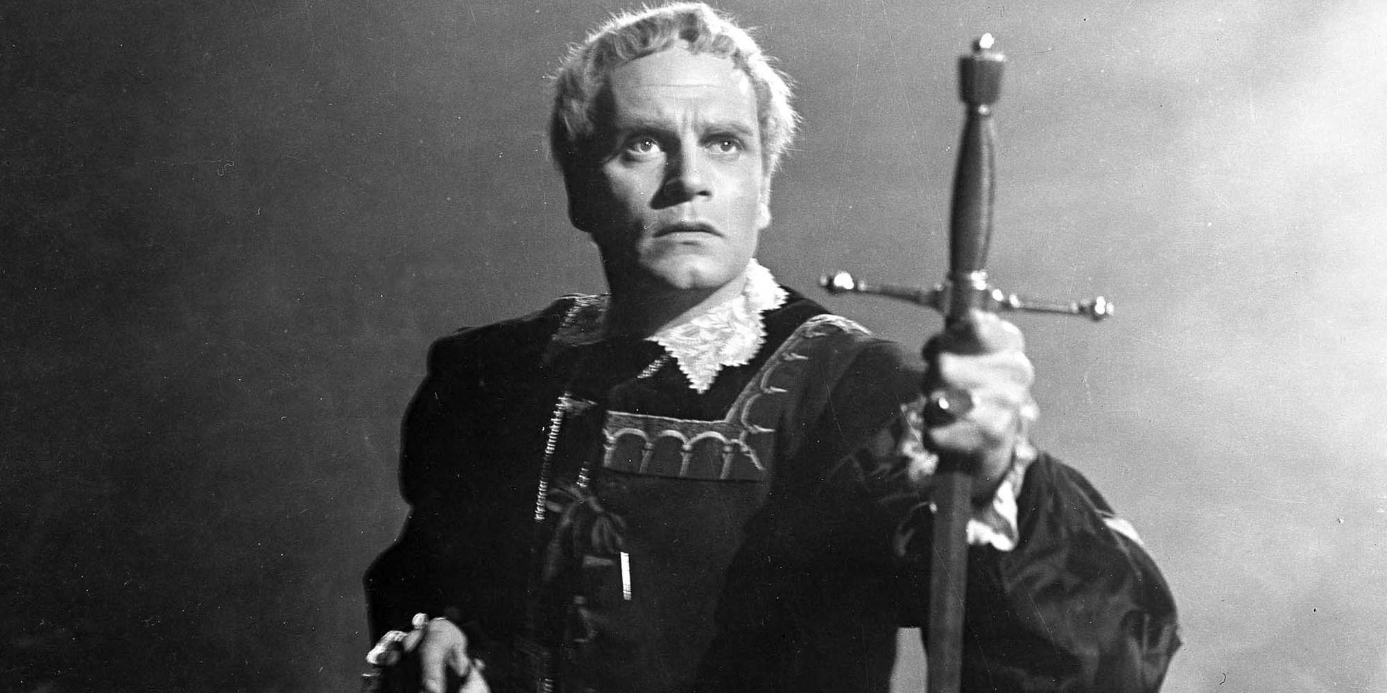 /images/upload/blog/1720/1720_Laurence-Olivier-as-Hamle-011.jpg